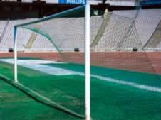 'Angled' type soccer goal nets